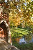 красный мост в екатерининский парк, пушкин, россия — Стоковое фото