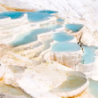 Turquoise water travertine pools at pamukkale — Stockfoto