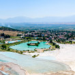 Turquoise water travertine pools at pamukkale — Stock Photo