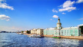 View of the Neva river. St. Petersburg, Russia — Stock Photo