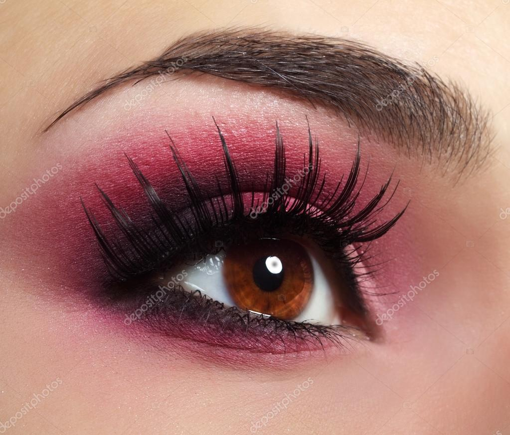 photo maquillage yeux rouge
