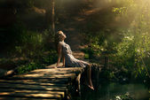 Mooi meisje in forest fairy — Stockfoto