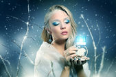 Winter woman with beautiful make-up — Stock Photo