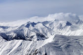Winter mountains in haze — Stockfoto
