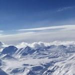 vue de dessus de la neige des montagnes enneigées — Photo