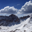 Snow mountains and blue sky with cloud in nice day — Stock Photo