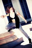 Güzel bir dansçı. kadın kentsel portre — Stok fotoğraf
