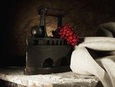 Abstraktní retro Zátiší s vintage železa a zkřížili textilní — Stock fotografie