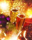 Boże narodzenie tła z szampana i garland — Zdjęcie stockowe