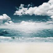 Summer day on beach — Stock Photo