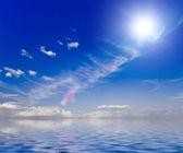Hermoso cielo soleado — Foto de Stock