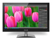 Monitor tft lcd con software de edición fotográfica — Foto de Stock