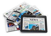 电子和纸质媒体的概念 — 图库照片