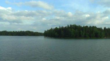 Kreuzfahrt durch die seen in finnland — Stockvideo