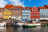 Kleur gebouwen van nyhavn in copehnagen, denemarken — Stockfoto