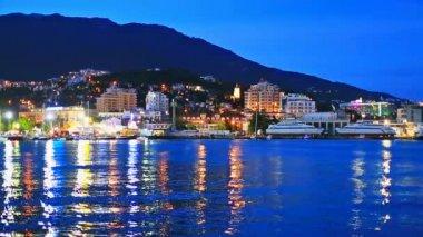 Night panorama of Yalta, Crimea, Ukraine — Stock Video