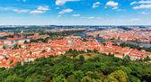 Letecký panorama prahy, česká republika — Stock fotografie