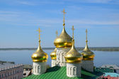 Volga river and old russian church — Stock Photo
