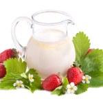 Strawberries and milk — Stock Photo #26203169