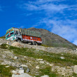 Lorry on the mountain road — Stock Photo