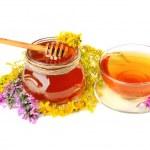 Tea and honey — Stock Photo #50373579