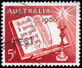 AUSTRALIA - CIRCA 1960 Open Bible — Stock Photo