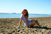 ビーチ上の女性 — ストック写真