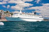 Cruise Ship in Istanbul — Foto Stock