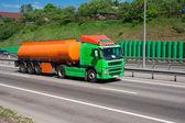 Ciężarówki na autostradzie — Zdjęcie stockowe