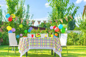 Prepared birthday table — Stock Photo