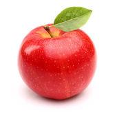 Mela rossa con foglia — Foto Stock