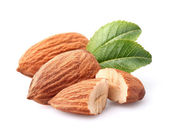 Almonds kernel with leaves — Stock Photo