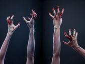 Par de manos de zombie sangriento — Foto de Stock