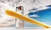 Roliga bestick salt med pasta — Stockfoto