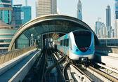 地铁轨道在阿拉伯联合酋长国 — 图库照片