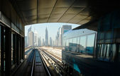 Tracce della metropolitana negli emirati arabi uniti — Foto Stock