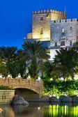 Night view of Madinat Jumeirah hotel, on November 15, 2012, Dub — Stock Photo