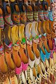 Tradycyjne buty arabski w souk wschód — Zdjęcie stockowe