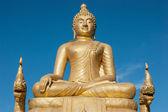 Messung der band, apfel, hanteleine 12 meter hohen big buddhastatue aus messing gefertigt, in phuket, thail — Stockfoto