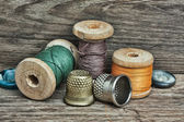 Nature morte de bobines de fil — Photo