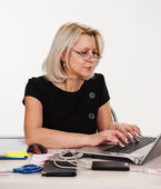 Mature business woman working in the office isolated — Stock Photo