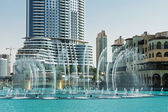 The Dancing fountains downtown and in a man-made lake in Dubai — Stock Photo