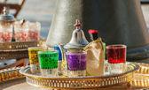 Copos de chá árabe com ornamento — Foto Stock