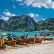 Traditional Thai Longtail boat on the beach of Phi Phi Don,Thail — Stock Photo