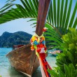 Traditional Thai Longtail boat on the beach of Phi Phi Don — Stock Photo