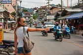 Patong Bangla road with tourists in Phuket, Thailand — Stock Photo