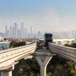 Monorail at the Palm Jumeirah in Dubai — Stockfoto