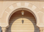 Eelement Arab architecture, arch and lantern — Stock Photo