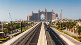 Atlantis hotel and monorail train in Dubai — Stock Photo