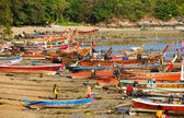 National fishing boats on the shore of the Indian Ocean — Stock Photo